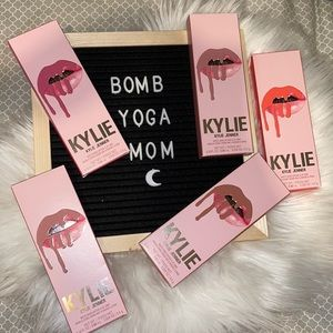 BUNDLE of 5 NEW Kylie Matte Liquid Lipstick Lip Liner 5 Colors 8+ Hour Lip Plump